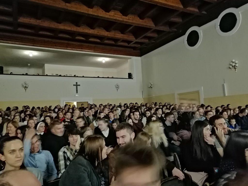nova predstava o crkvenim upoznavanjima linda stranica za upoznavanje